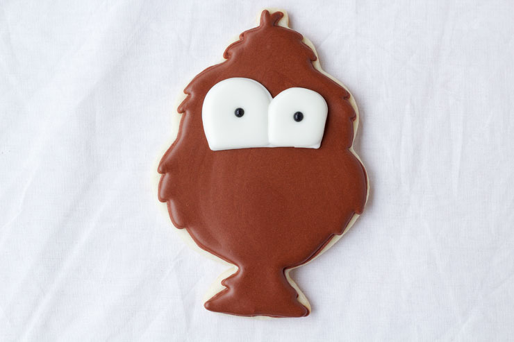 Tom Turkey Cookies - Sugar Cookies that are decorated with Royal Icing via www.thebearfootbaker.com