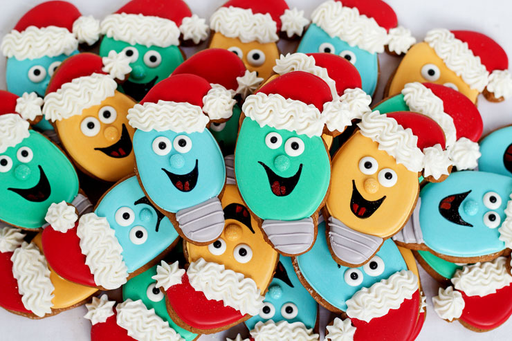 Fun and Easy Christmas Light Cookies with a Santa Hat Sugar Cookies ...