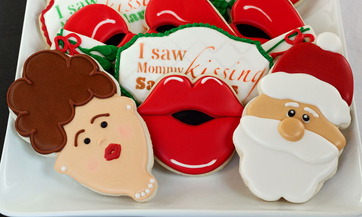 I Saw Mommy Kissing Santa Claus Cookies - Sugar Cookies Decorated with Royal Icing www.thebearfootbaker.com