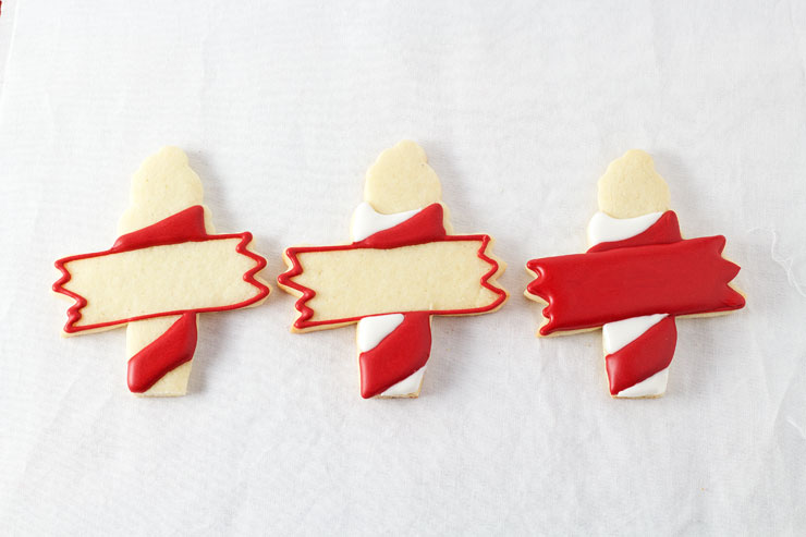 North Pole Cookies - Name Tags for Christmas www.thebearfootbaker.com