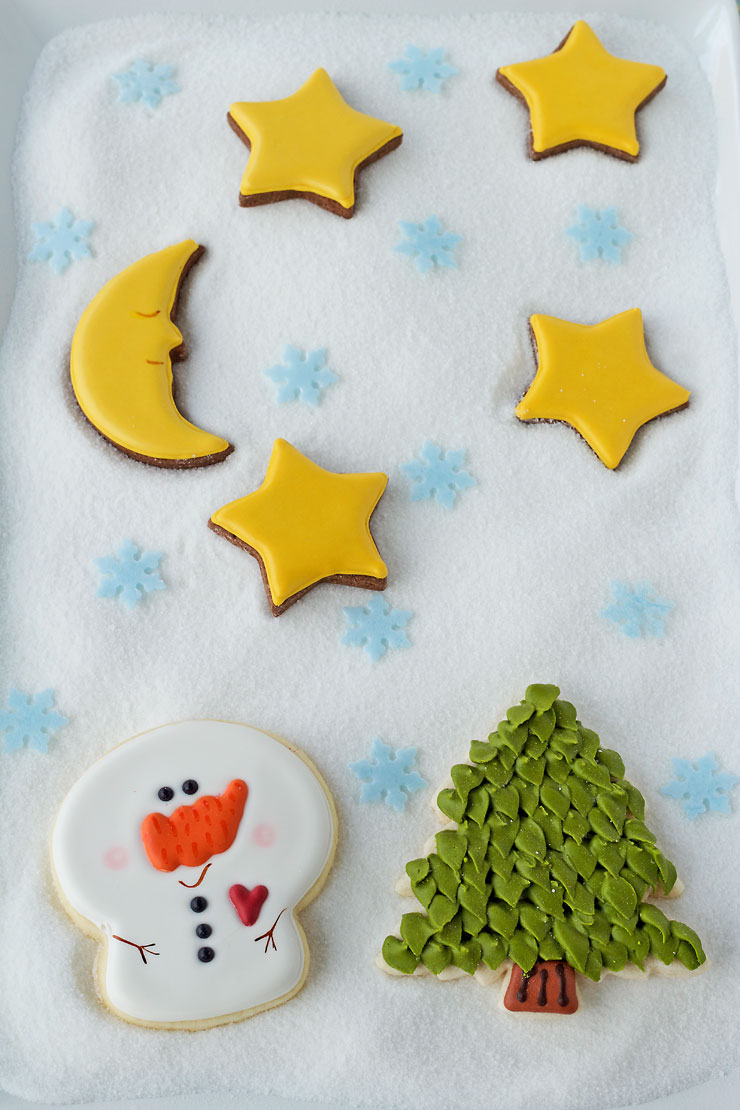 Big-headed snowman cookies