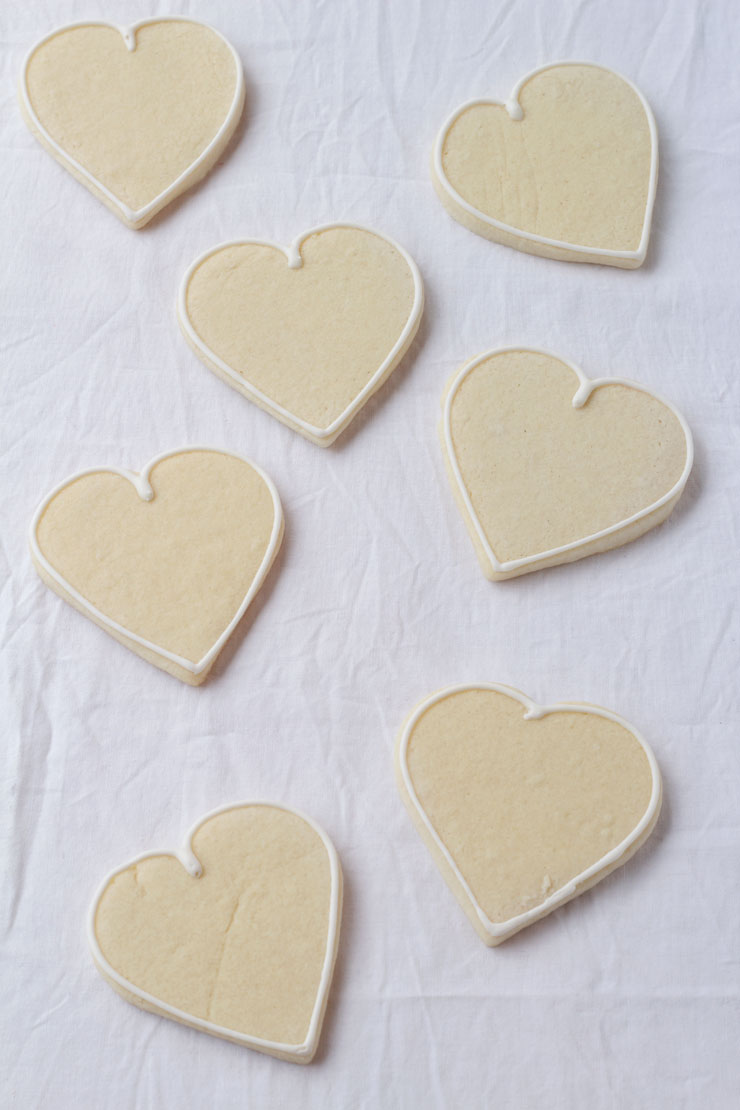 Heart Cookies with Ribbon Roses by www.thebearfootbaker.com