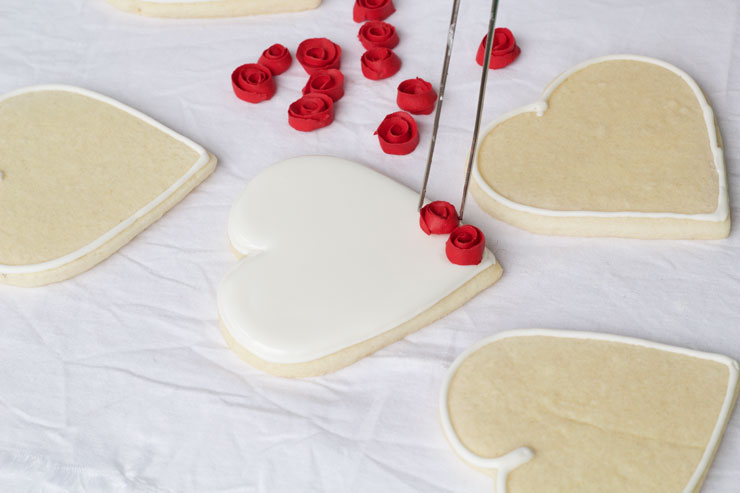 Heart Cookies with Ribbon Roses via thebearfootbaker.com
