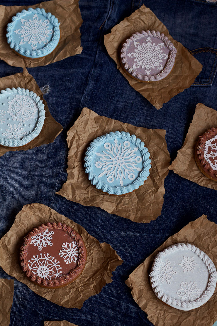 Simple Snowflake Cookies with Cake Lace Snowflakes thebearfootbaker.com