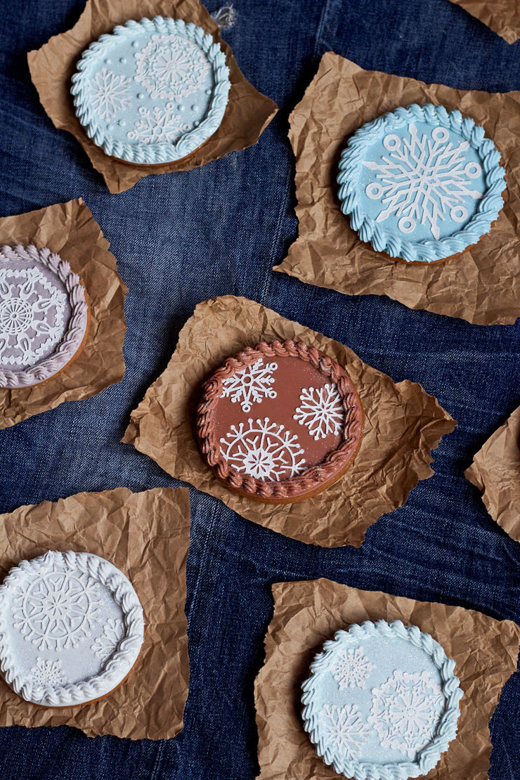 Snowflake-Cookies-made-with-Cake-Lace-Snowflakes-| The Bearfoot Baker
