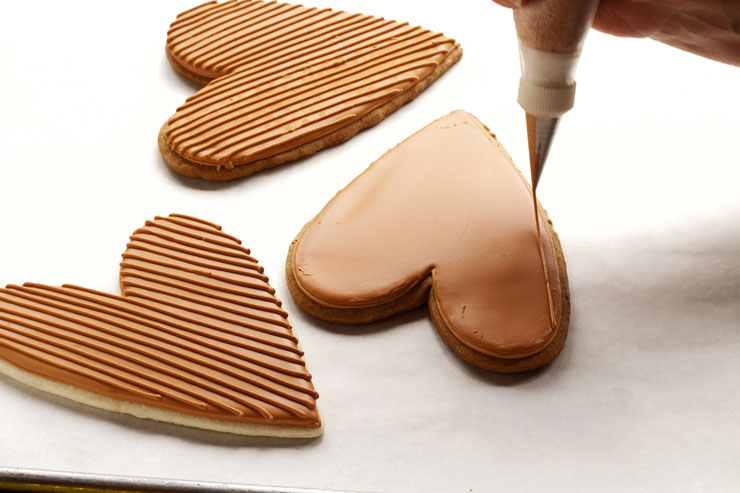 Burlap Heart Cookies via thebearfootbaker.com
