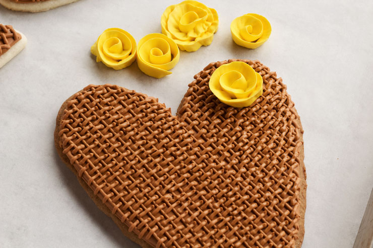 Easy Burlap Heart Cookies by www.thebearfootbaker.com