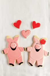 Easy Hogs and Kisses Cookies - Cut Out Sugar Cookies Decorated with Royal Icing via www.thebearfootbaker.com