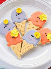 Simple Ice Cream Cone Cookies