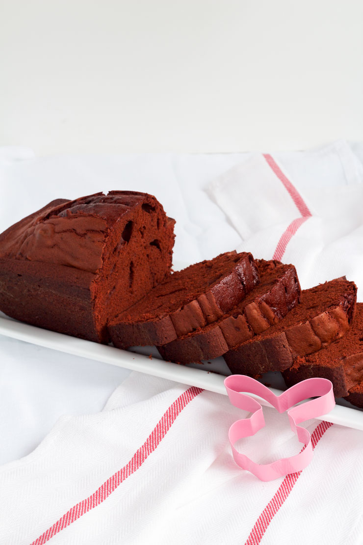 Simple Easter Cake - A Peekaboo Pound Cake with a Cute Bunny Inside via www.thebearfootbaker.com