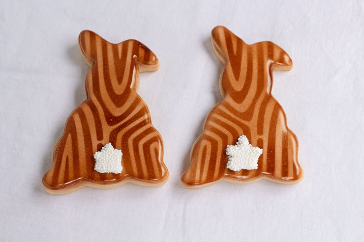 How to Stop Airbrush Gun Spots on my Sugar Cookies www.thebearfootbaker.com