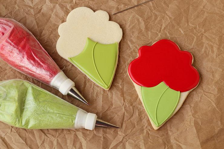 Flower Bouquet Cookies www.thebearfootbaker.com