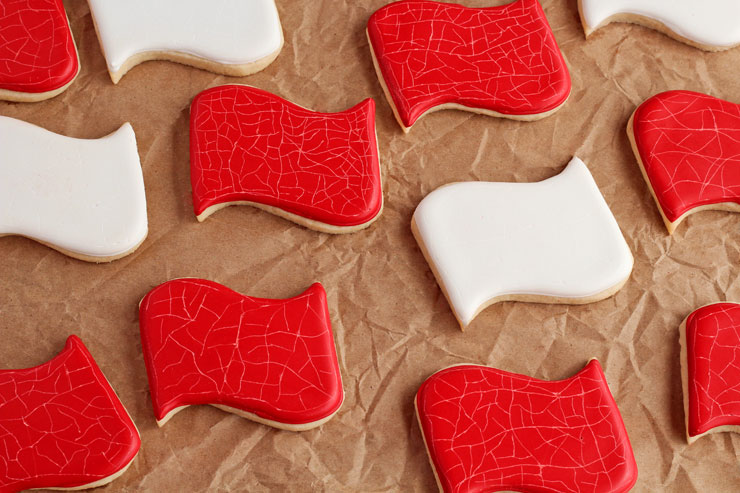 How to Distress Sugar Cookies for an Aged Look with www.thebearfootbaker.com