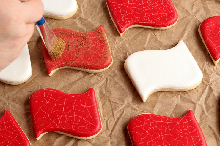 How to Distress Sugar Cookies for an Aged Look www.thebearfootbaker.com