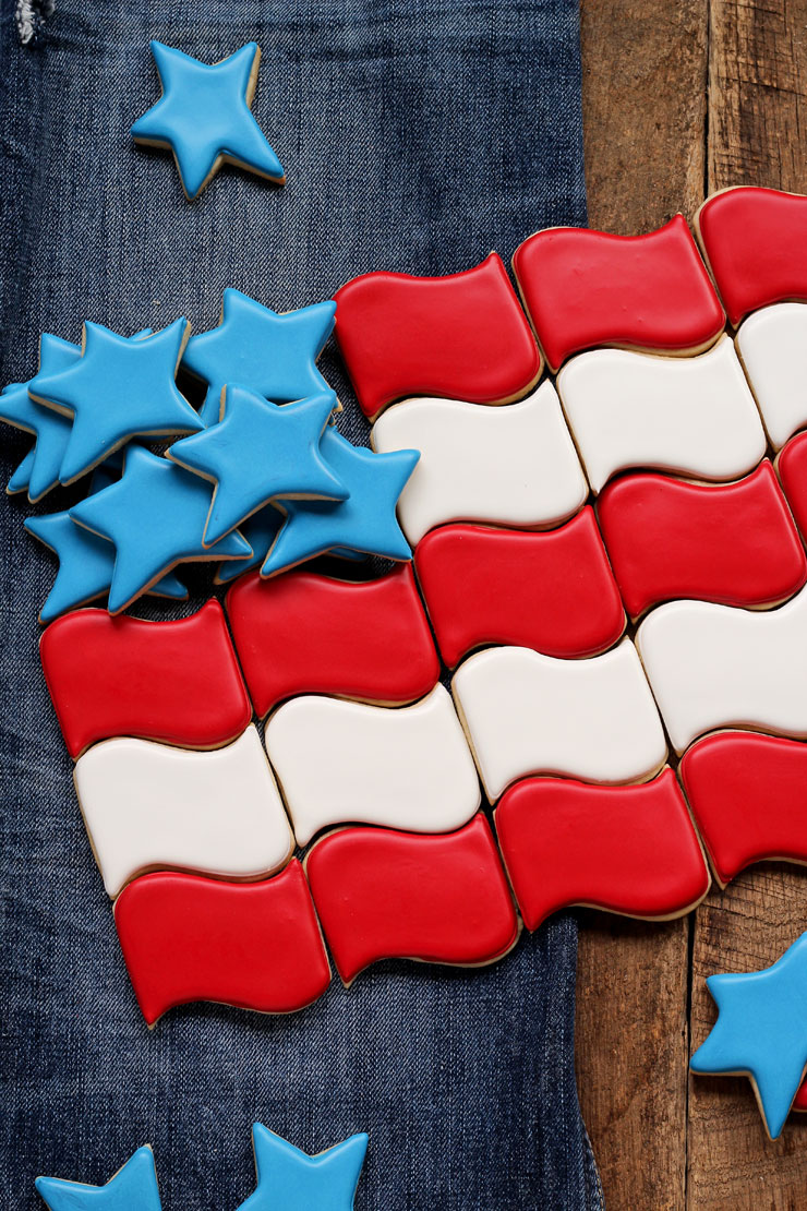 How to Make Flag Cookies in 2 Simple Steps via www.thebearfootbaker.com