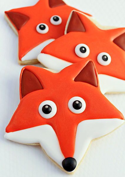 How-to-Make-Fox-Cookies-with-a-Star-Cookie-Cutter-www.thebearfootbaker.com