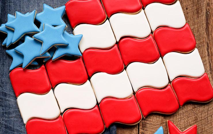 How to Make Simple American Flag Cookies in 2 Simple Steps | The Bearfoot Baker