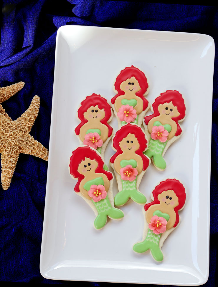 How to Make These Happy Little Mermaid Cookies www.thebearfootbaker.com