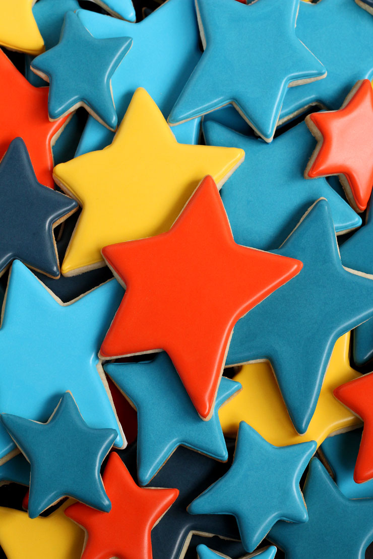 Make Really Simple Star Cookies for Father's Day with a Free Printable Tag with www.thebearfootbaker.com