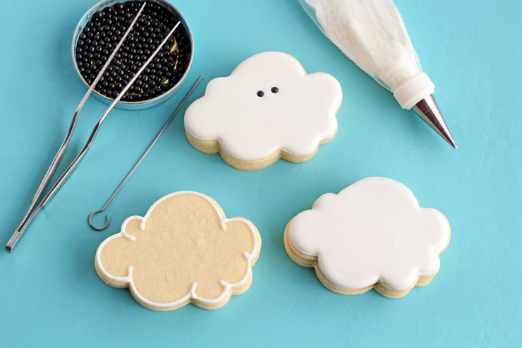 How to Make Cloud Cookies that Actually Rain via thebearfootbaker.com