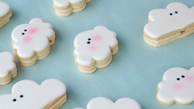 How to Make Cloud Cookies that Actually Rain with www.thebearfootbaker.com