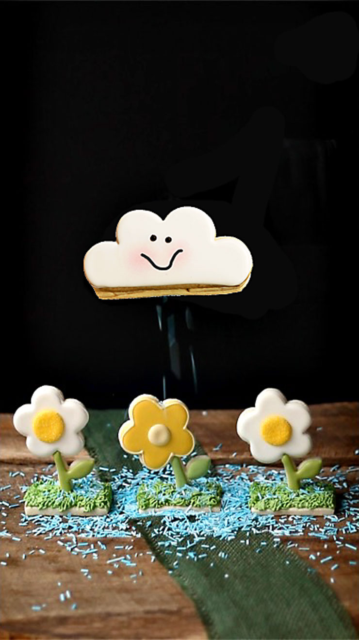 How to Make Cute Cloud Cookies the Rain via www.thebearfootbaker.com