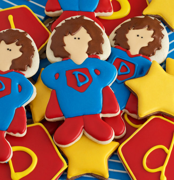 How to Make Superdad Hero Cookies for Father's Day by thebearfootbaker.com