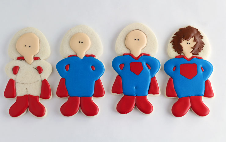 How to Make Superdad Hero Cookies for Father's Day www.thebearfootbaker.com