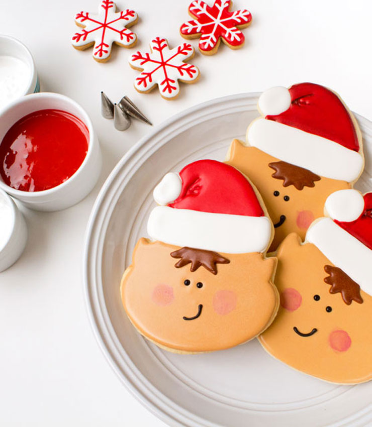 Elf-Cookies-Decorated-Christmas-Cookies-via-www.thebearfootbaker.com