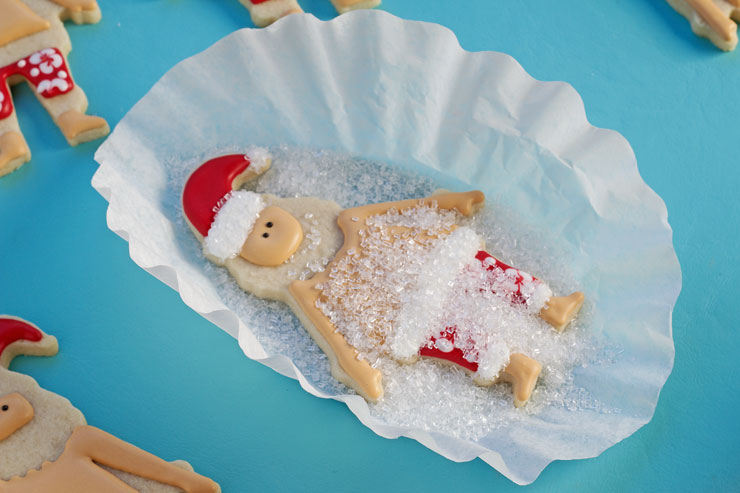 How to Make Fun Mele Kalikimaka Cookies via www.thebearfootbaker.com