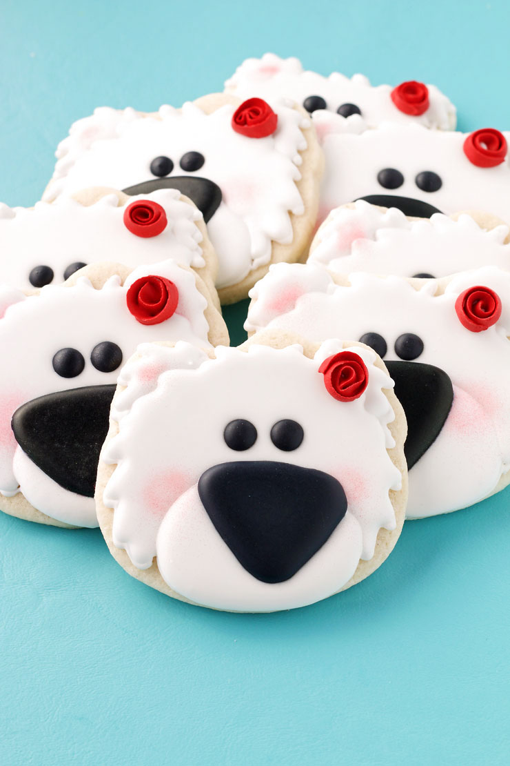 How to Make These Simple Polar Bear Cookies with Video with thebearfootbaker.com