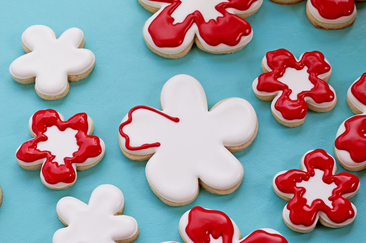 How to Make an Easy Hibiscus Cookie with a Video Tutorial via www.thebearfootbaker.com