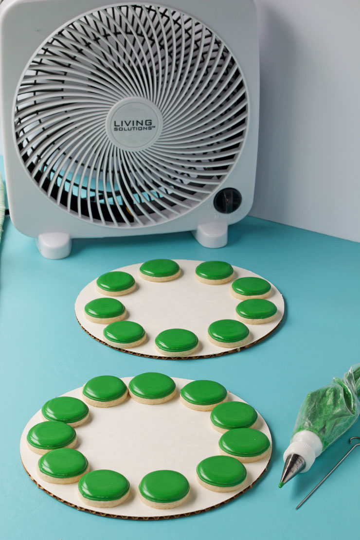 How to Make a Watermelon Cookie Platter with Video with www.thebearfootbaker.com