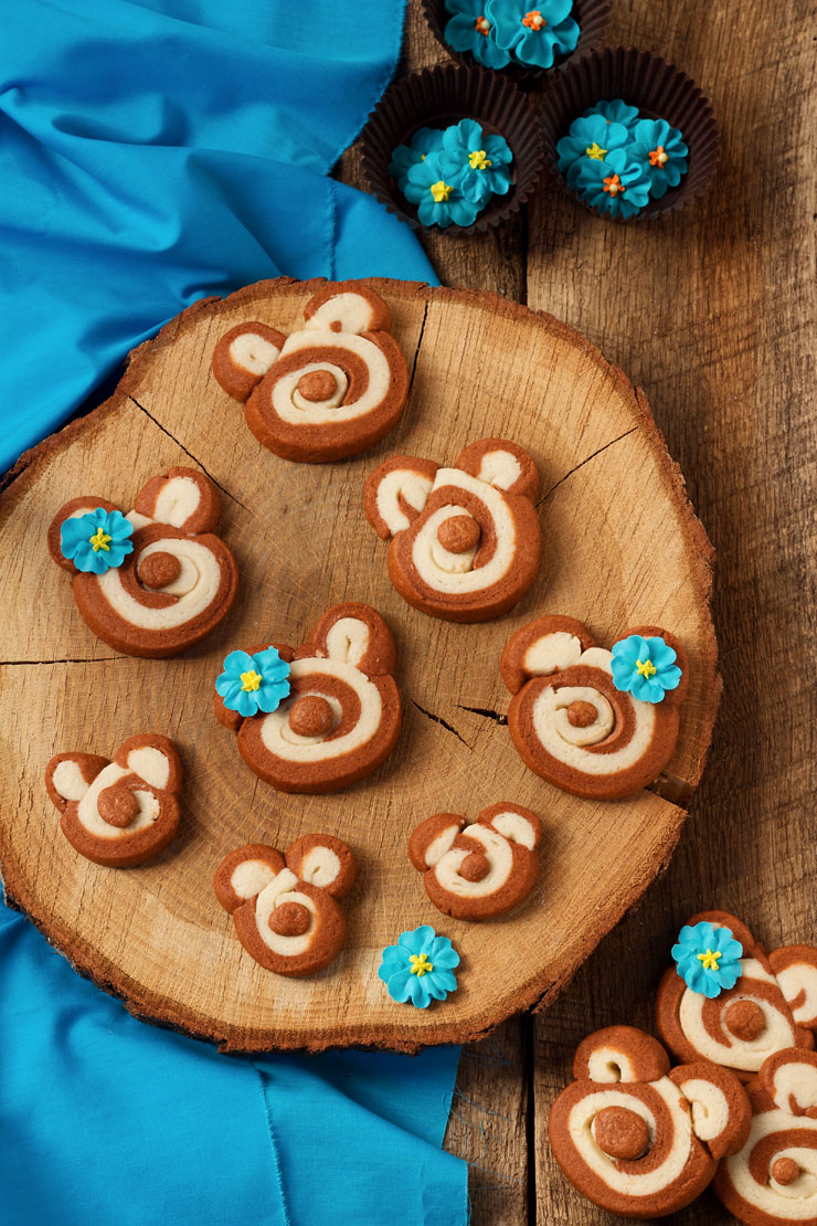 Slice and Bake Bear Cookies via thebearfootbaker.com