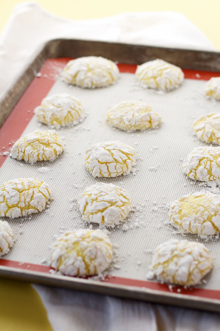 Easy Lemon Crinkle Cookies from a Box Cake Mix | The Bearfoot Baker