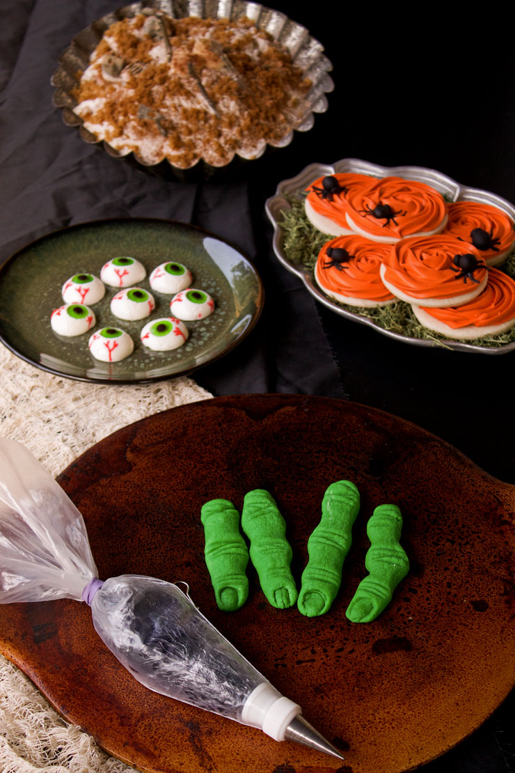 Fun Halloween Finger Cookies | The Bearfoot Baker