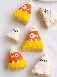 Halloween Rice Krispie Treats | The Bearfoot Baker