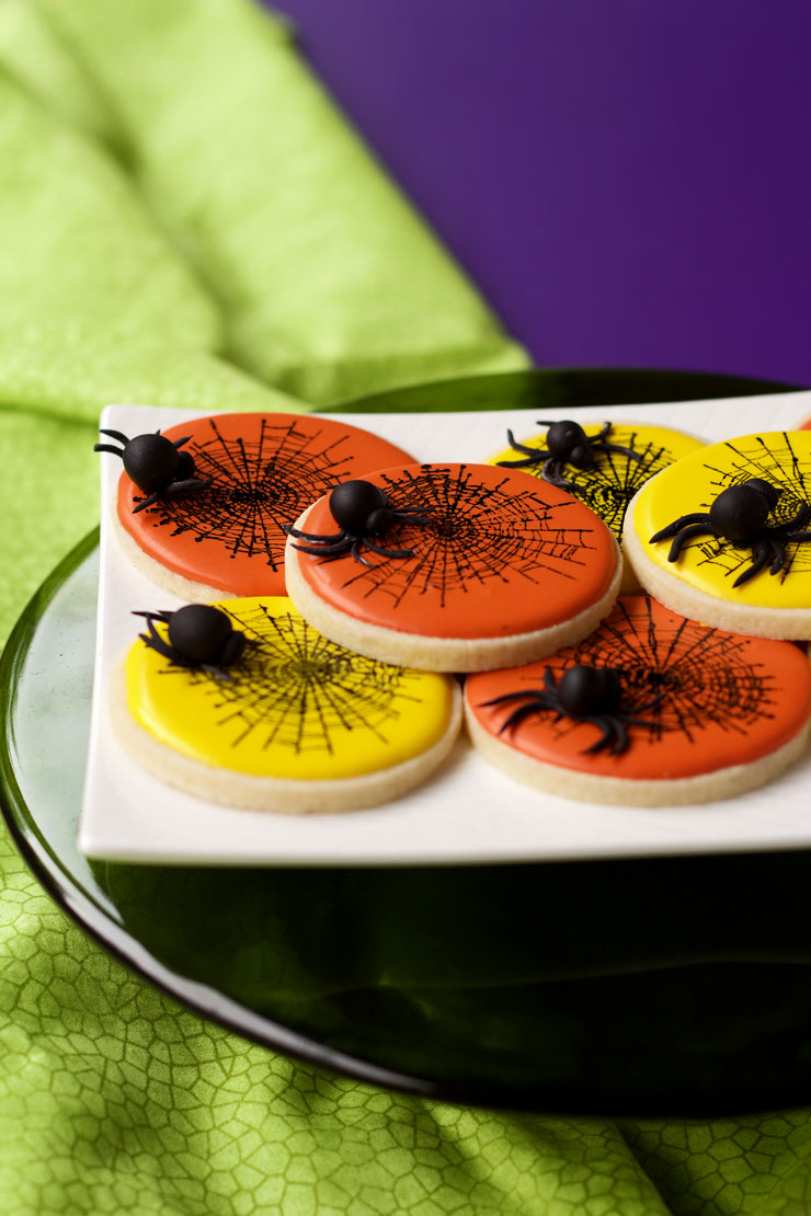 How to make Fun Fondant Spiders for Halloween | The Bearfoot Baker