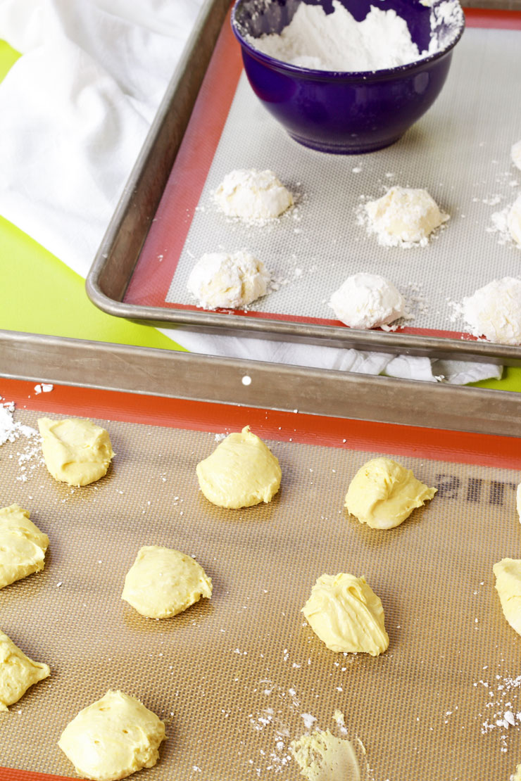 Simple Lemon Crinkle Cookies from a Box Cake Mix | The Bearfoot Baker