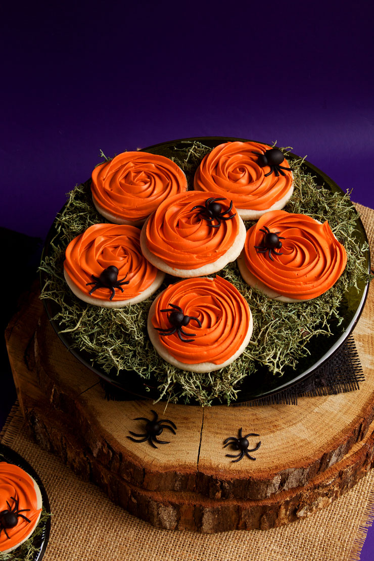 Spooky Rose Cookies with Creepy Fondant Spiders for Halloween | The Bearfoot Baker