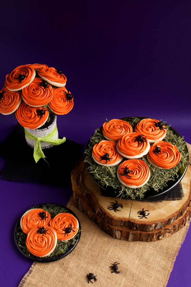 Spooky Rose Cookies with Creepy Fondant Spiders with a Video | The Bearfoot Baker