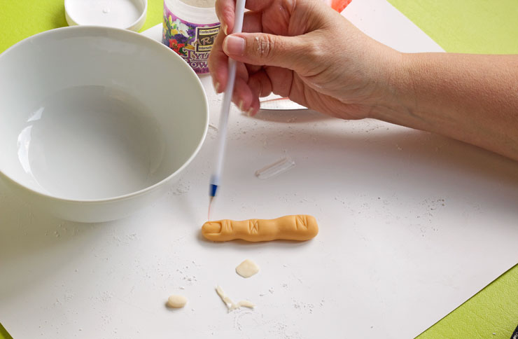 A simple way to Make Fondant Fingers | The Bearfoot Baker