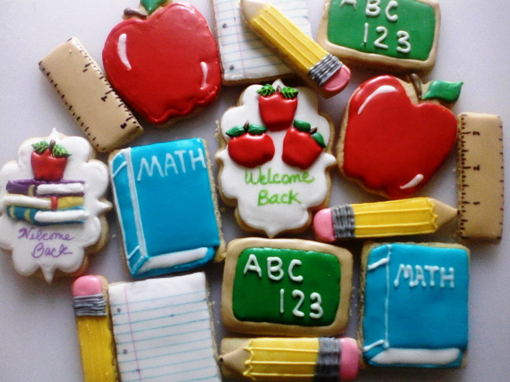 Back to School Round Up -Back-to-school-cookies by Mama Rey's Cookie Co. | The Bearfoot Baker