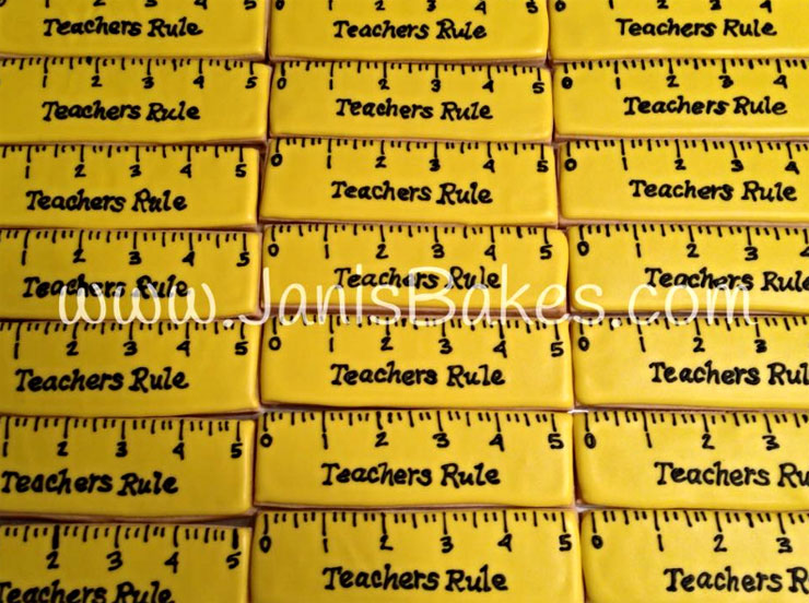 Back to School Round Up - Teachers Rule! Cookies by Janis Bakes | The Bearfoot Baker