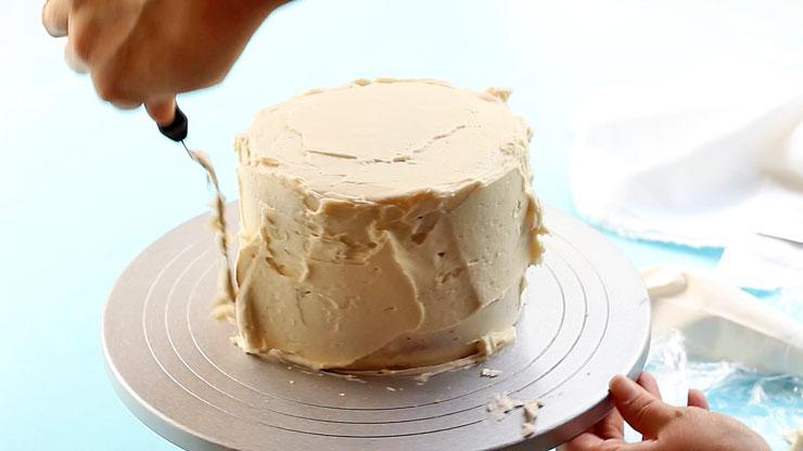 Dirty Ice a Cake Like a Pro   The Bearfoot Baker