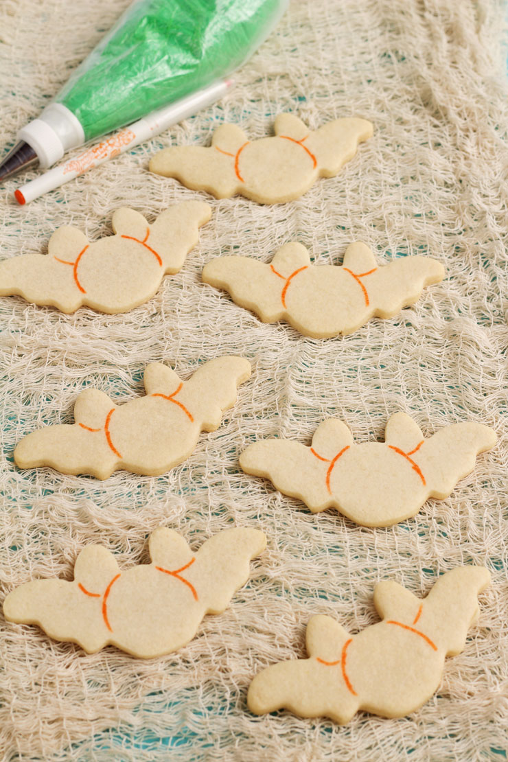 Fun Bat Cookies | The Bearfoot Baker