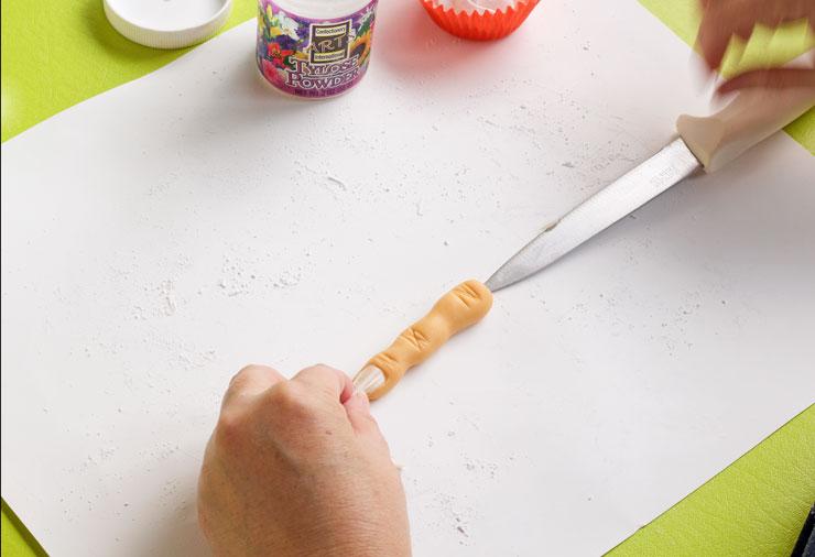 My Secret on How to Make Fondant Fingers | The Bearfoot Baker
