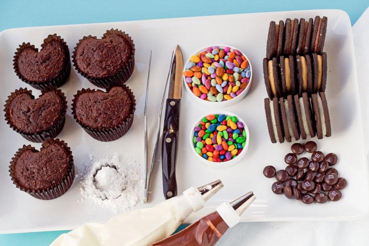 Simple Owl Cupcakes | The Bearfoot Baker