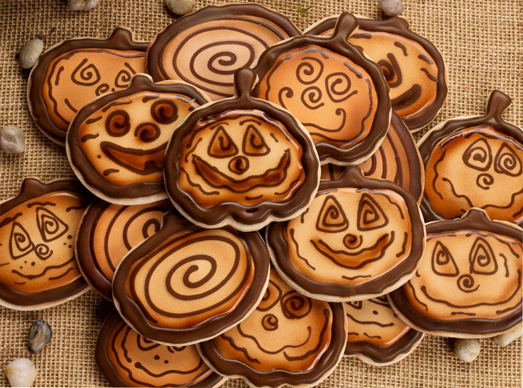 Simple Wooden Pumpkin Cookies | The Bearfoot Baker
