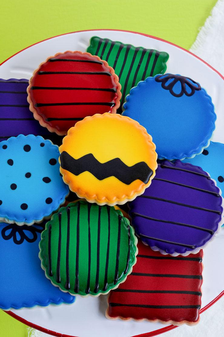 Charlie Brown Cookies - Cute Character Platter | The Bearfoot Baker